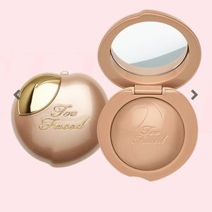 Too Faced- Peach frost highlighter